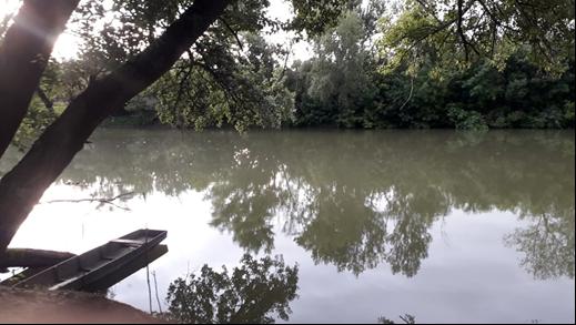A tábor melletti Bodrog folyó